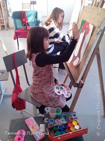 Покажу рисунки моей дочечки. Ей 10 лет, делает первые шажки в рисовании, но очень уж ей нравится этим заниматься. Сейчас увлечена сухой пастелью. фото 8