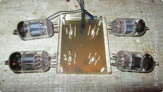 Как заставить радиолампу светиться? Материалы: оргстекло (стеклопластик) радиолампы, лампочки от гирлянды, провода. фото 5