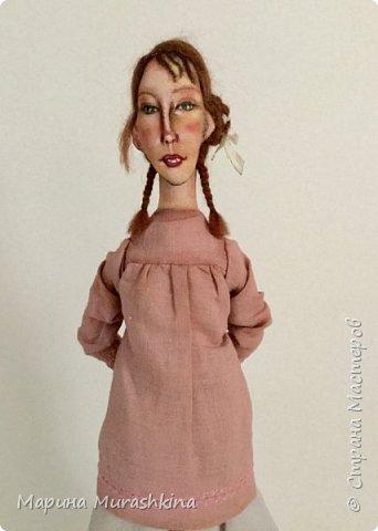 'Девушка в берете' сшита по мотивам двух картин Модильяни: 'Молодая женщина в берете' и 'Девочка с косичками'. Натурщица, судя по всему, была одна и таже. Поэтому взяла промежуточное определение - девушка))) фото 4