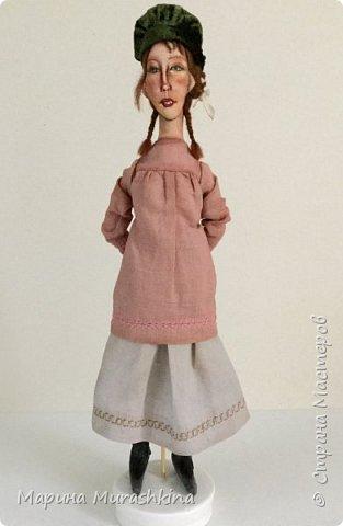 'Девушка в берете' сшита по мотивам двух картин Модильяни: 'Молодая женщина в берете' и 'Девочка с косичками'. Натурщица, судя по всему, была одна и таже. Поэтому взяла промежуточное определение - девушка))) фото 2