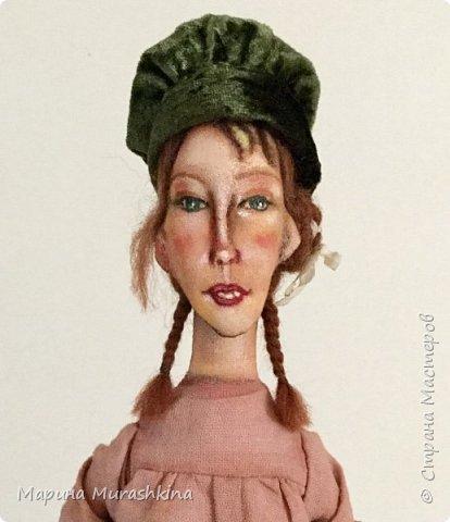 'Девушка в берете' сшита по мотивам двух картин Модильяни: 'Молодая женщина в берете' и 'Девочка с косичками'. Натурщица, судя по всему, была одна и таже. Поэтому взяла промежуточное определение - девушка))) фото 3