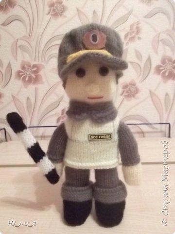 Вот такого инспектора ДПС я связала. Спасибо за помощь и за идею мастерице Елене0708.  http://stranamasterov.ru/node/410937?c=favorite  фото 1
