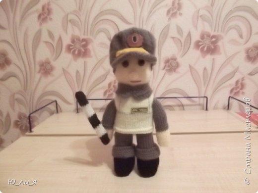 Вот такого инспектора ДПС я связала. Спасибо за помощь и за идею мастерице Елене0708.  http://stranamasterov.ru/node/410937?c=favorite  фото 2