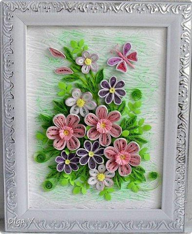 Здравствуйте, дорогие друзья! Еще летом сделала эту картинку размером 15x20 см. Подобные цветы, что в центре, уже делала когда-то, но немного их видоизменила, упростила. фото 4