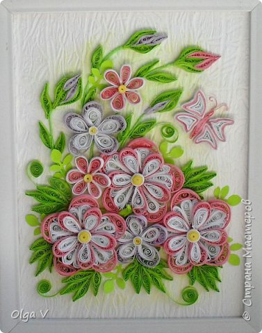 Здравствуйте, дорогие друзья! Еще летом сделала эту картинку размером 15x20 см. Подобные цветы, что в центре, уже делала когда-то, но немного их видоизменила, упростила. фото 1