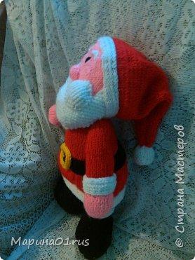 Шубка, шапка, рукавички.  На носу сидят синички.  Борода и красный нос -  Это Дедушка Мороз! фото 3