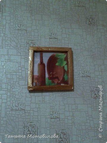 За основу взяла потолочную плитку, рамочка сделана, по мастер классу одной из мастериц, лежали ненужные обои. Салфетка и фантазия)) фото 2