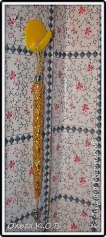 В основе : бывшая шариковая ручка без стержня. Обмотана в данном случае сначала шпагатом , потом тесьма и бусинки фото 6