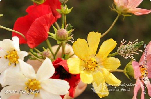Вот такие букетики слепились на заказ) А впереди еще маргаритки и два букета роз. А потом очень хочу вплотную заняться орхидеями) фото 9