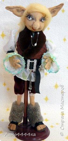 Это мой любимчик! Хотя, вру. Я люблю всех своих кукол!!!!  Этот красавец сшить из хб ткани, тонирован. Образ придумывала сама, долго и мучительно. По-этому ему пришлось своим не одетым видом довольно долго смущать жителей нашей квартиры))))) фото 1