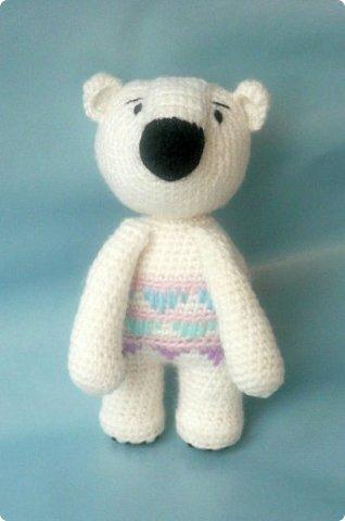 """Знакомьтесь! Белый медведь Поляриус.   Связан из акриловой пряжи """"Детская новинка"""", крючок 1,5мм, рост 14см.   фото 1"""
