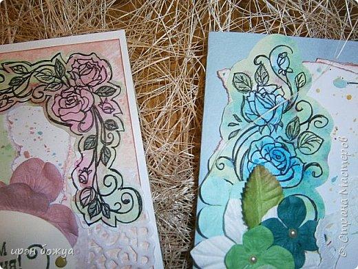 Сегодня я к Вам вот с такими открыточками. В работе использовала картинки, которые раскрасила акварелью и  отрисовала гелевой ручкой. В качестве фона использовала простую бумагу с набрызгом из тех же цветов, что использованы при раскрашивании картинки.Работать с акварелью очень понравилось. У меня есть работы с этим материалом (см. тут http://stranamasterov.ru/node/1041574  и здесь   http://stranamasterov.ru/node/1048915 ) фото 12
