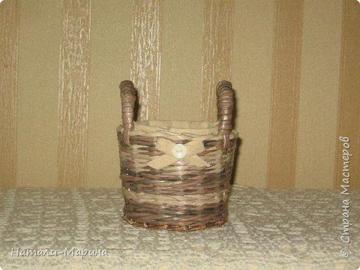 Трубочки из газетной бумаги, акриловые лак и клей, водная морилка цвет Палисандр в разной степени разведения.  фото 6