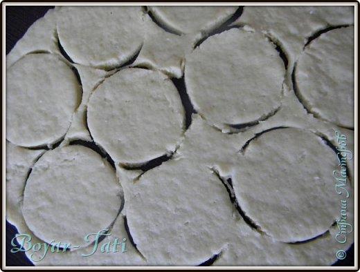 Здравствуйте! Хочу представить вашему вниманию вкусный и очень простой рецепт сметанного печенья! Если хочется что-нибудь быстренько приготовить к чаю,то это то что нужно!) фото 6