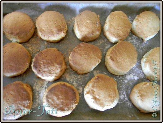 Здравствуйте! Хочу представить вашему вниманию вкусный и очень простой рецепт сметанного печенья! Если хочется что-нибудь быстренько приготовить к чаю,то это то что нужно!) фото 9