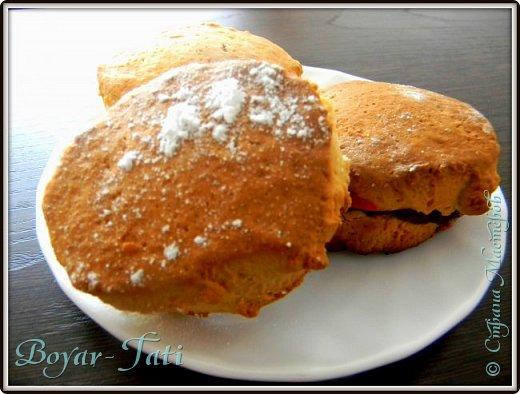 Здравствуйте! Хочу представить вашему вниманию вкусный и очень простой рецепт сметанного печенья! Если хочется что-нибудь быстренько приготовить к чаю,то это то что нужно!) фото 1