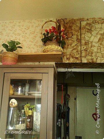 Писала о ремонте на кухне, забыла рассказать об отделке антресоли чайными пакетиками. Начало этой истории здесь http://stranamasterov.ru/node/786264 и здесь http://stranamasterov.ru/node/891297. Антресоль покрашена белой краской, оклеена чайными пакетиками, покрыта лаком. фото 2