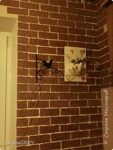 """Давно я затевалась с ремонтом на кухне, но все не могла придумать, что сделать с наружной стеной. Обои клеить не хотела, виделось что-то либо декоративная побелка, либо """"кирпичики"""".  фото 4"""
