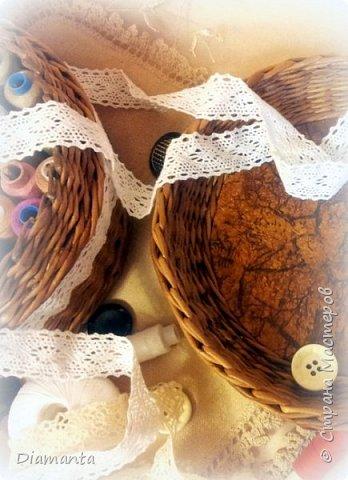 Всем здравствуйте!!! Хочу показать Вам  сплетенный Набор ля рукоделия, состоящий из шкатулки для ниток и игольницы. Наконец то я воплотила одну из давнишних своих хотелок. Теперь у ниток есть специальное удобное место для хранения фото 4