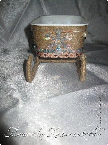 Под впечатлением от работ своих соседей из Страны я решила подготовить чудо-сани для помощи Деду Морозу в перевозке подарков для ребят  в свой терем-теремок)))мк саней подсмотрела здесь http://stranamasterov.ru/node/676242 большое спасибо очень пригодилось) фото 3