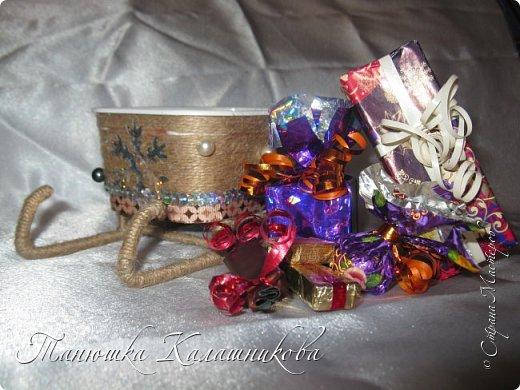 Под впечатлением от работ своих соседей из Страны я решила подготовить чудо-сани для помощи Деду Морозу в перевозке подарков для ребят  в свой терем-теремок)))мк саней подсмотрела здесь http://stranamasterov.ru/node/676242 большое спасибо очень пригодилось) фото 8