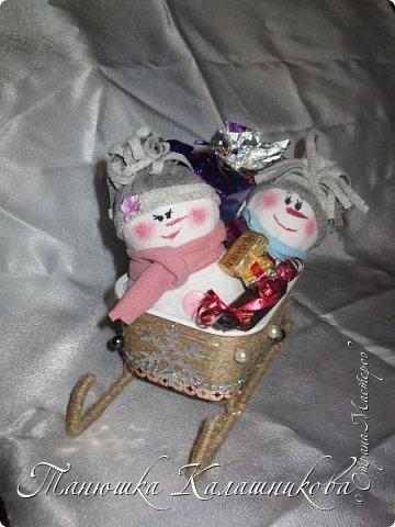 Под впечатлением от работ своих соседей из Страны я решила подготовить чудо-сани для помощи Деду Морозу в перевозке подарков для ребят  в свой терем-теремок)))мк саней подсмотрела здесь http://stranamasterov.ru/node/676242 большое спасибо очень пригодилось) фото 2