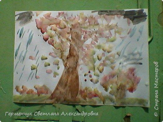 """""""Осенние деревья"""" Стволы  деревьев и веточки  кустов  нарисованы с помощью выдувания  краски коктейльной  трубочкой.Работы учащихся 4""""В"""" класса фото 17"""