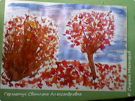 """""""Осенние деревья"""" Стволы  деревьев и веточки  кустов  нарисованы с помощью выдувания  краски коктейльной  трубочкой.Работы учащихся 4""""В"""" класса фото 16"""