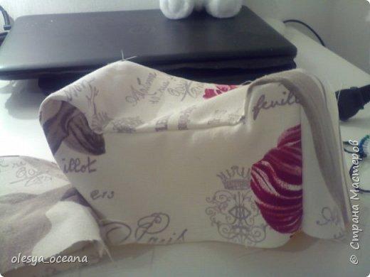 Доброго времени суток. Сегодня я покажу, как я делала диван для кукол.  Для работы я взяла, такие материалы, как: 1. Поролон 2. Пенополистирол (можно пенопласт) 3. Клей-пистолет 4. Материал для обшивки 5. Иголки, линейка,канцелярский нож. фото 13