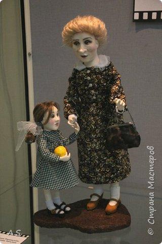 """Вчера в нашем Краеведческом музее открылась еще одна замечательная выставка  кукол, шаржи """"Фильм, фильм, фильм..."""" Куклы - артисты... Думаю, любого можно узнать без труда. Да и само открытие было замечательным: кадры из любимых фильмов, много интересных сведений о советском кинематографе ... и даже чай с блинами.   фото 7"""