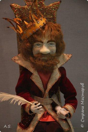 """Вчера в нашем Краеведческом музее открылась еще одна замечательная выставка  кукол, шаржи """"Фильм, фильм, фильм..."""" Куклы - артисты... Думаю, любого можно узнать без труда. Да и само открытие было замечательным: кадры из любимых фильмов, много интересных сведений о советском кинематографе ... и даже чай с блинами.   фото 6"""