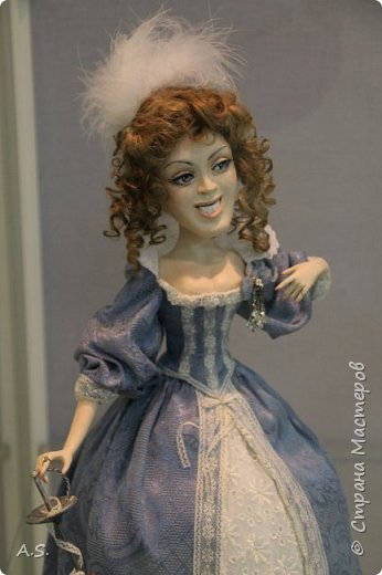"""Вчера в нашем Краеведческом музее открылась еще одна замечательная выставка  кукол, шаржи """"Фильм, фильм, фильм..."""" Куклы - артисты... Думаю, любого можно узнать без труда. Да и само открытие было замечательным: кадры из любимых фильмов, много интересных сведений о советском кинематографе ... и даже чай с блинами.   фото 2"""