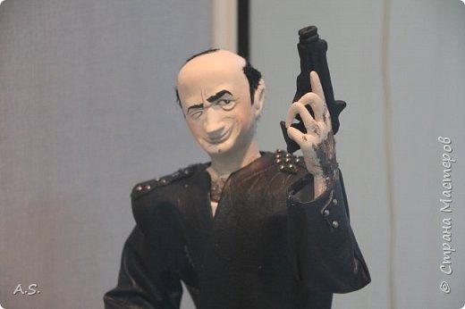 """Вчера в нашем Краеведческом музее открылась еще одна замечательная выставка  кукол, шаржи """"Фильм, фильм, фильм..."""" Куклы - артисты... Думаю, любого можно узнать без труда. Да и само открытие было замечательным: кадры из любимых фильмов, много интересных сведений о советском кинематографе ... и даже чай с блинами.   фото 19"""