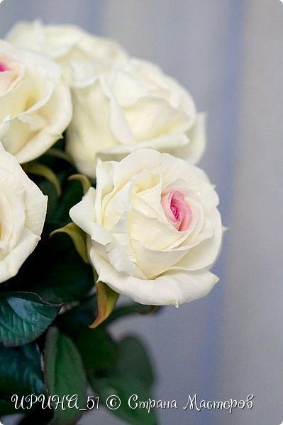 Здравствуйте! Сегодня я с букетом роз. Цветы выполнены из зефирного фома.  Приглашаю к просмотру.  фото 13