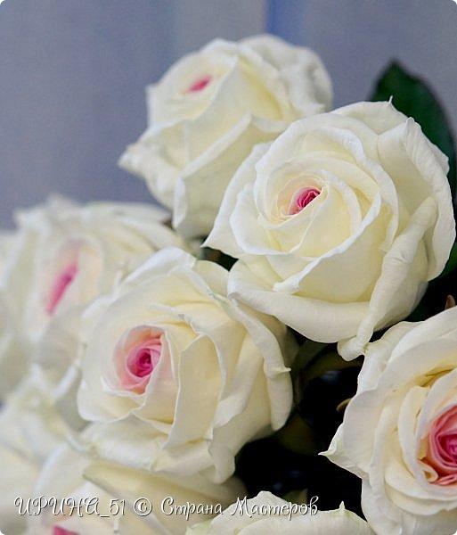 Здравствуйте! Сегодня я с букетом роз. Цветы выполнены из зефирного фома.  Приглашаю к просмотру.  фото 1