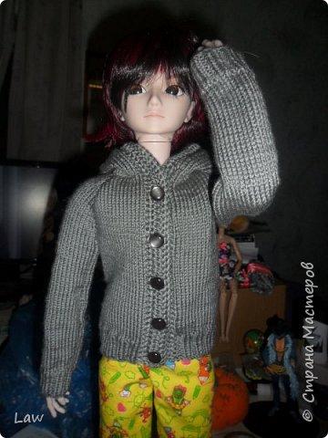 и снова одежда  для Широ. на этот раз вязанная кофта с капюшоном. по немного одеваю своих кукол))). их много а я одна. поэтому все не очень быстро.... фото 3