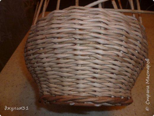Доброго времени суток!!! как и обещала покажу, как вазу делаю я (придумка  конечно же не моя, но ее МК в стране не видела........) ВМ- дуб сильно разбавленный, 1/4 листа А4, но поперек разрезанного (такая попалась потребительская бумага и трубочки здесь использованы короткие) спица 1,5мм фото 4
