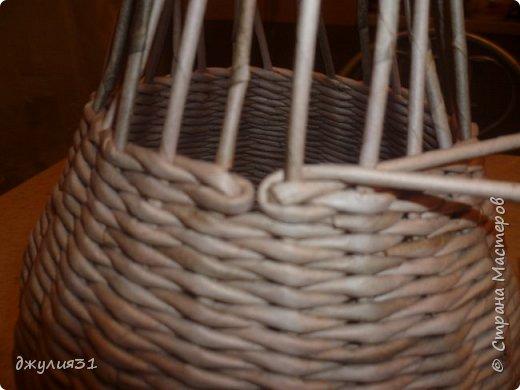 Доброго времени суток!!! как и обещала покажу, как вазу делаю я (придумка  конечно же не моя, но ее МК в стране не видела........) ВМ- дуб сильно разбавленный, 1/4 листа А4, но поперек разрезанного (такая попалась потребительская бумага и трубочки здесь использованы короткие) спица 1,5мм фото 7