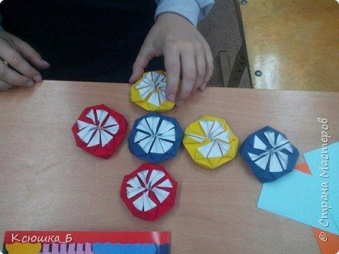 Сегодня на уроке технологии делали с детьми кусудамы) фото 2
