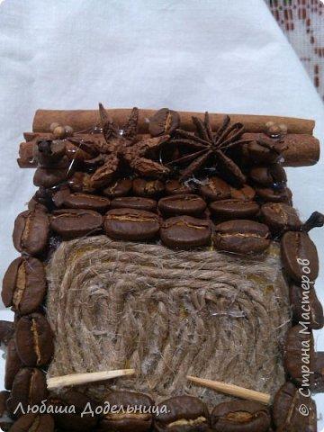 машина из кофейных зерен украшенная пряностями фото 5