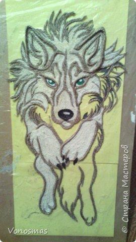 Салют мастера!! нужна ваша помащь  Сделал волка и розы из остатков фома, посоветуйте как еще можно Задекорировать панно. фото 2