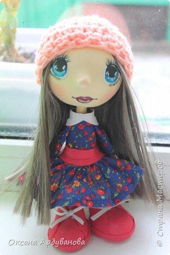 Кукла сделана из фоамирана,Использовала трессы для кукол (волосы)платье из ситца. фото 4