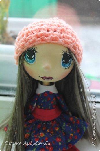 Кукла сделана из фоамирана,Использовала трессы для кукол (волосы)платье из ситца. фото 2