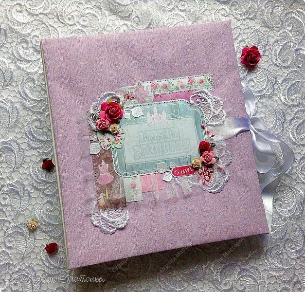 """Альбом для девочки попросили сделать в подарок на день рождения. Выбрала бумагу из коллекции Bee Shebby """"Sweet GERL"""". Очень она мне понравилась! фото 1"""