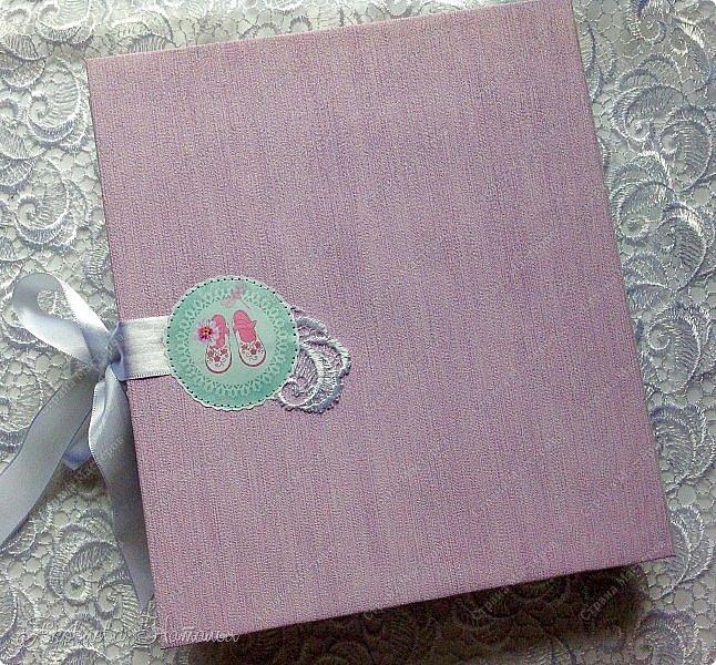 """Альбом для девочки попросили сделать в подарок на день рождения. Выбрала бумагу из коллекции Bee Shebby """"Sweet GERL"""". Очень она мне понравилась! фото 7"""