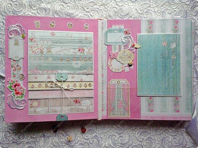 """Альбом для девочки попросили сделать в подарок на день рождения. Выбрала бумагу из коллекции Bee Shebby """"Sweet GERL"""". Очень она мне понравилась! фото 3"""