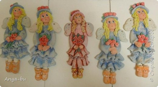 Мои ученицы (7 лет)  лепили вот таких девочек-ангелочков. Роспись моя. Учились лепить складочки, пока очень сложно)) фото 1
