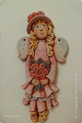 Мои ученицы (7 лет)  лепили вот таких девочек-ангелочков. Роспись моя. Учились лепить складочки, пока очень сложно)) фото 2