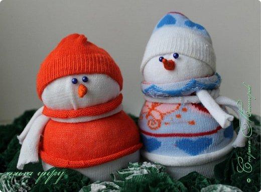 Снеговики из носков фото 8