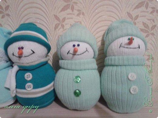 Снеговики из носков фото 5